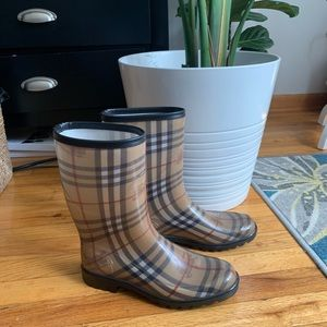 Burberry Authentic rain boots shorts 39 9